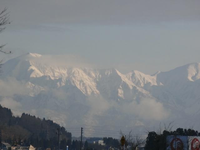 越後三山が、きれいです♪